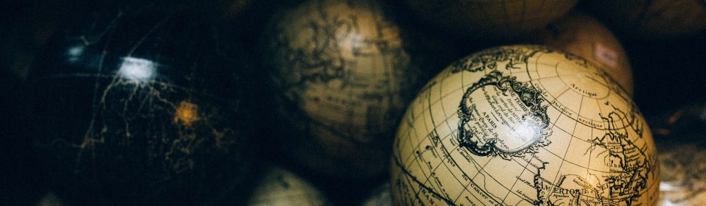 globes-1246245_1920