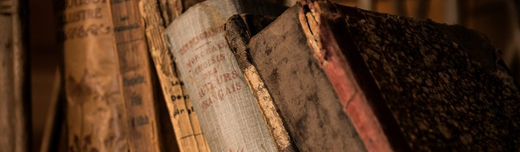 old-books-436498_1920 edit
